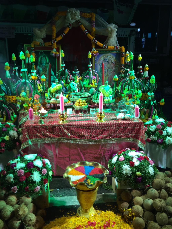 色とりどりに光り輝く祭壇 その2
