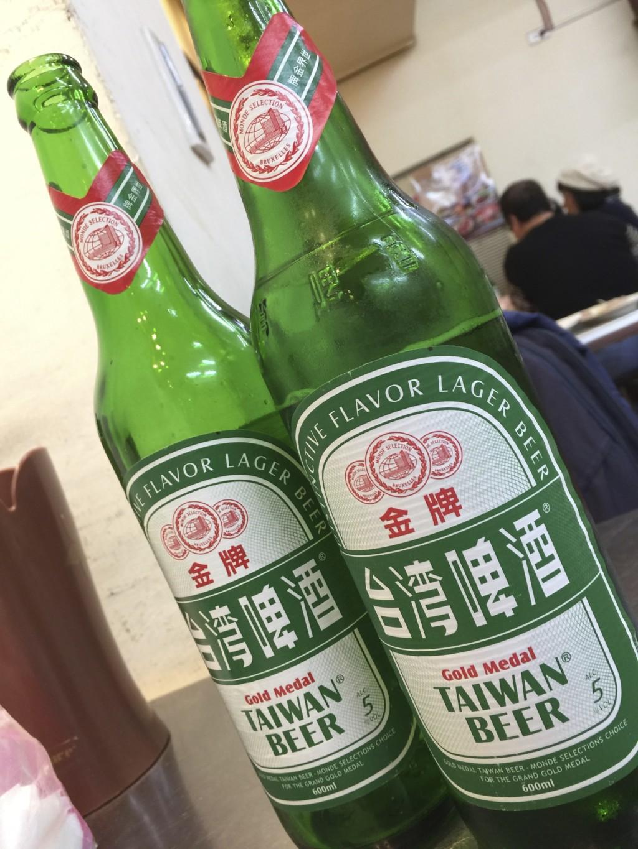 台湾は日本の半額以下でビールが飲めるから、倍、飲んじゃう