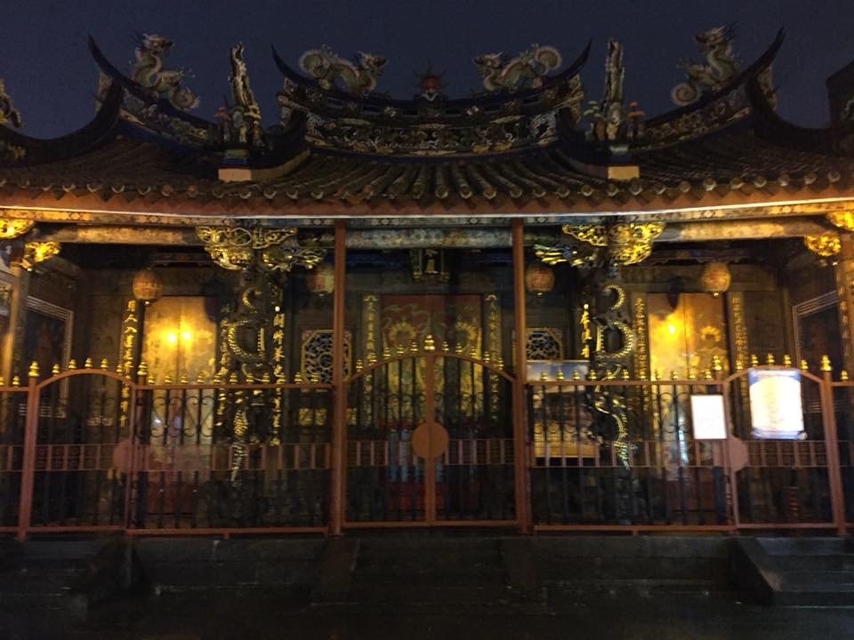 いかめしい雰囲気の「艋舺清水巌祖師廟」