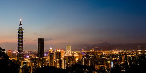 夕暮れの台北