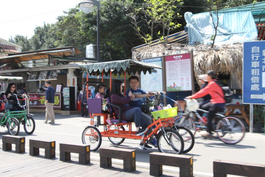 「八里」ではレンタル自転車業者が営業しており、自転車の種類が豊富。家族で乗れるタイプの車種も