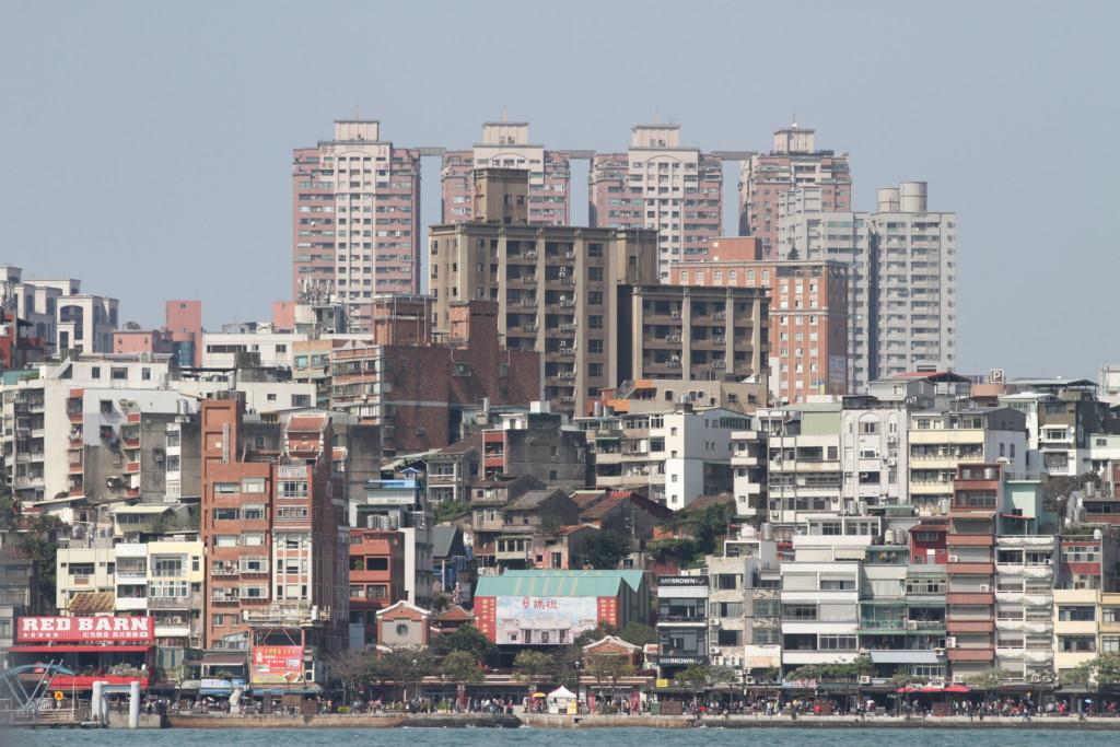 人口密度が心配になるほどの、ビルディングの密集具合
