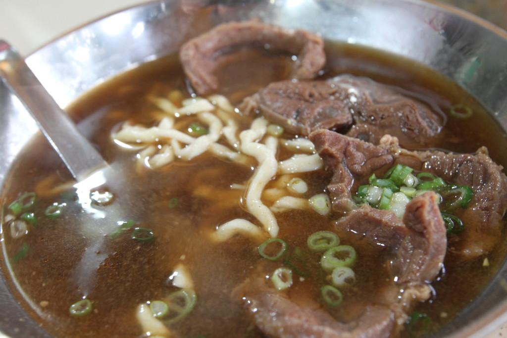赤の牛肉麺、「紅焼牛肉麵」