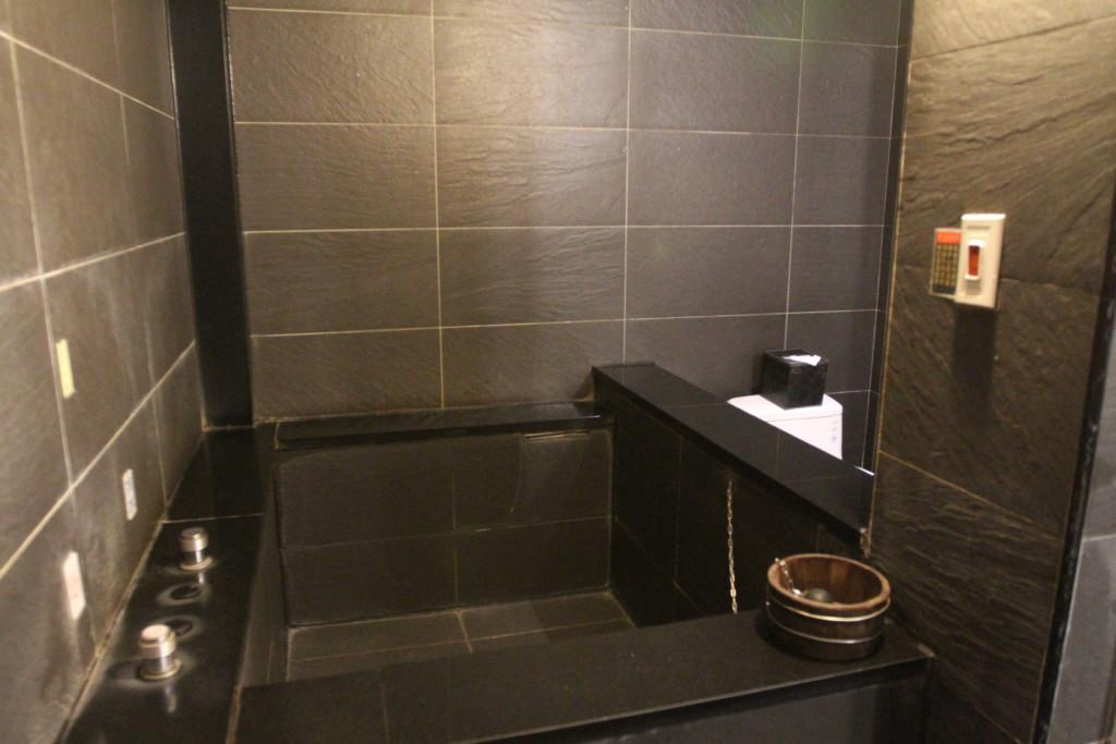 客室ひとつひとつに「マイ温泉」が付いているゴージャス具合