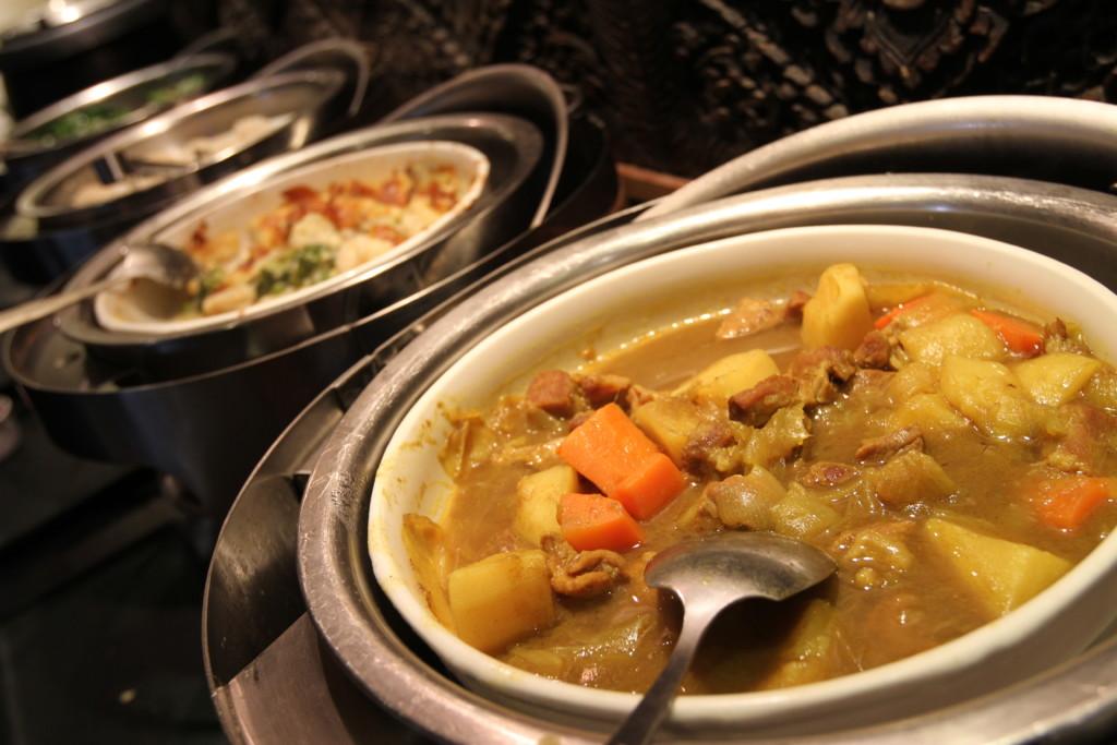 「肉じゃが」に近い、豚肉と野菜を煮た料理