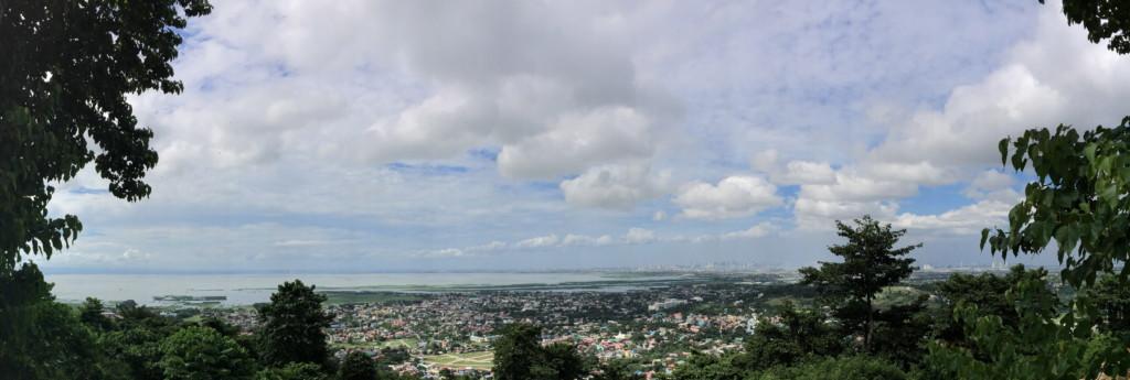 アンゴノ岩絵へむかう道中の、小高い丘から(パノラマ版)