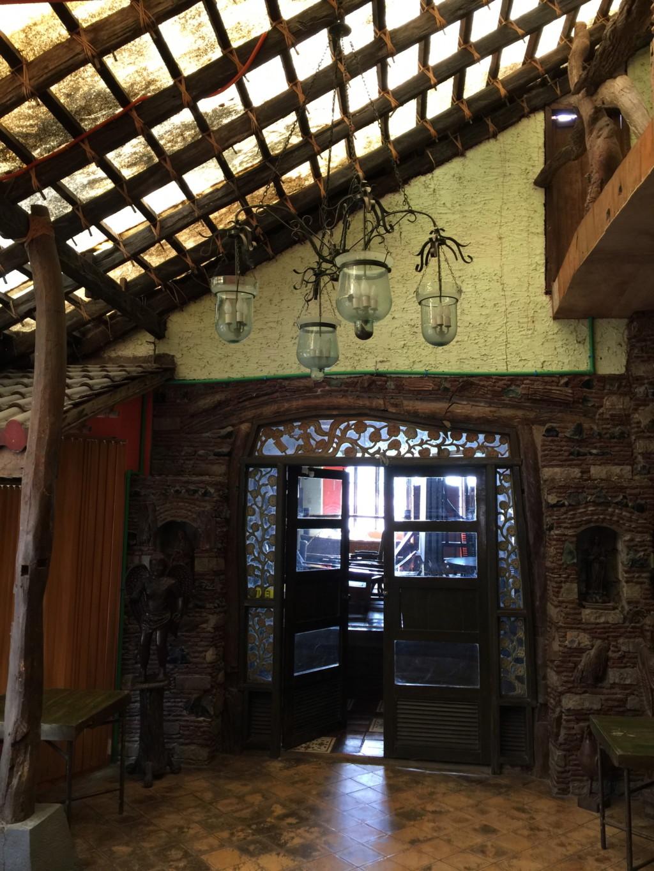 美術館の室内空間(バラウ・バラウ・レストラン内に併設の美術館)