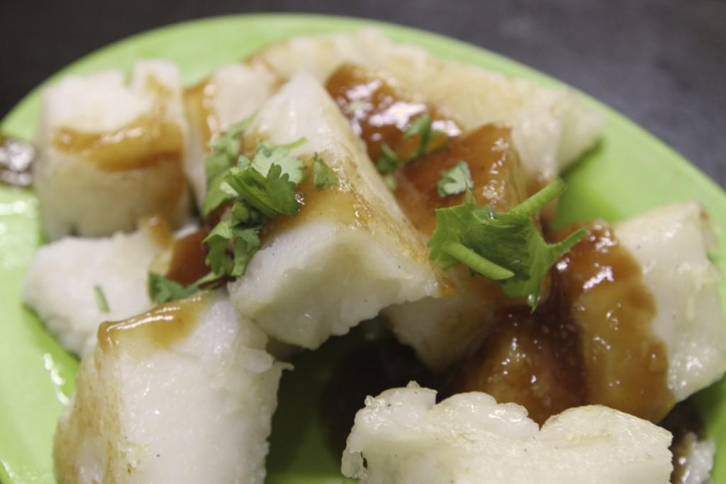 蘿蔔糕(ローボーガオ)。日本人観光客の間では「大根餅」という呼び名が定着している