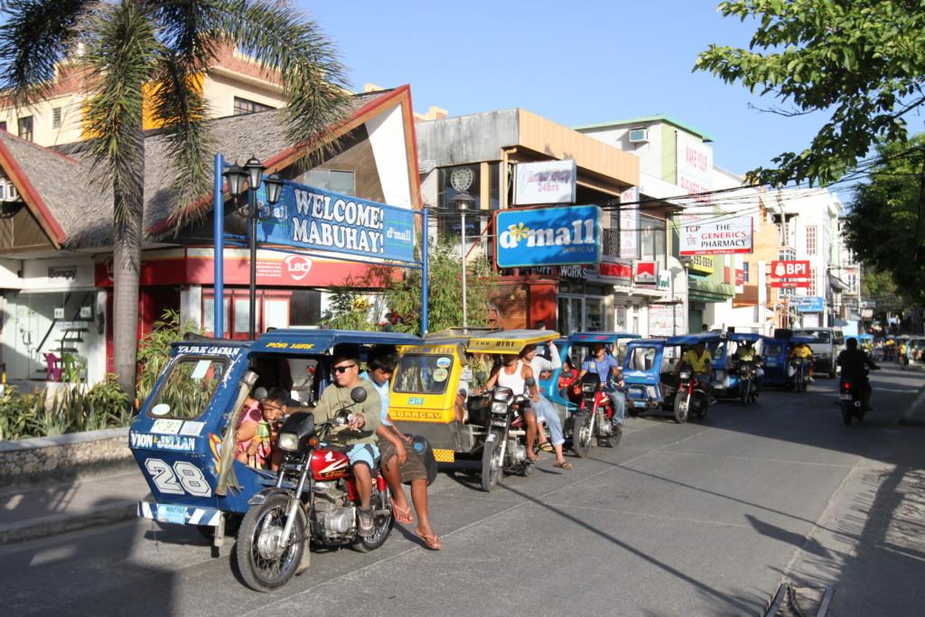 ボラカイ島で一番にぎわう「Dモール」一帯