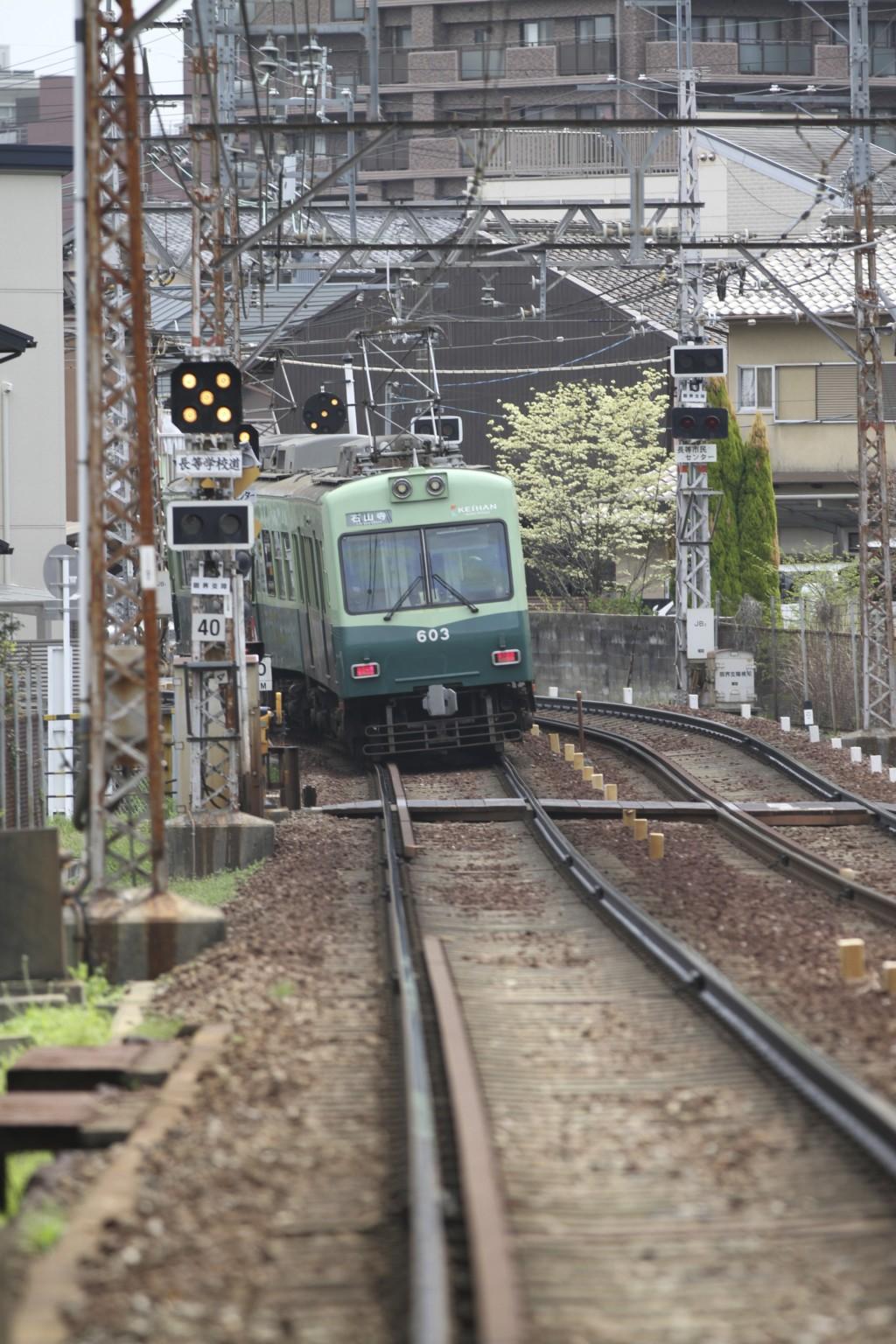 石山坂本線はローカル線の雰囲気たっぷり。車体も小ぶり