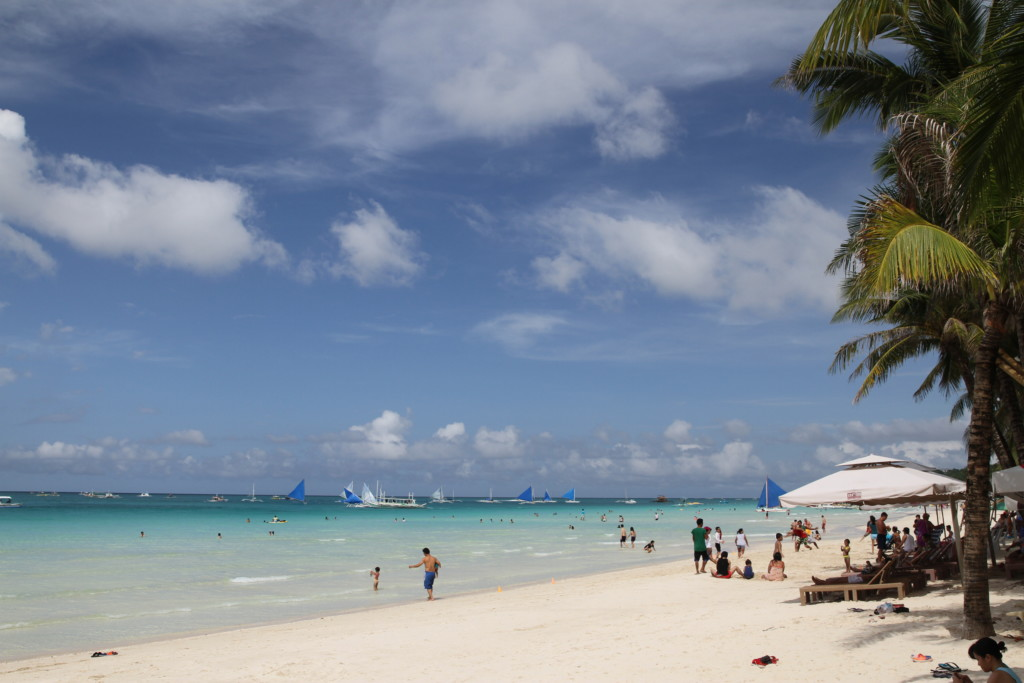 ボラカイ島で最大のビーチ(ホワイト・ビーチ)