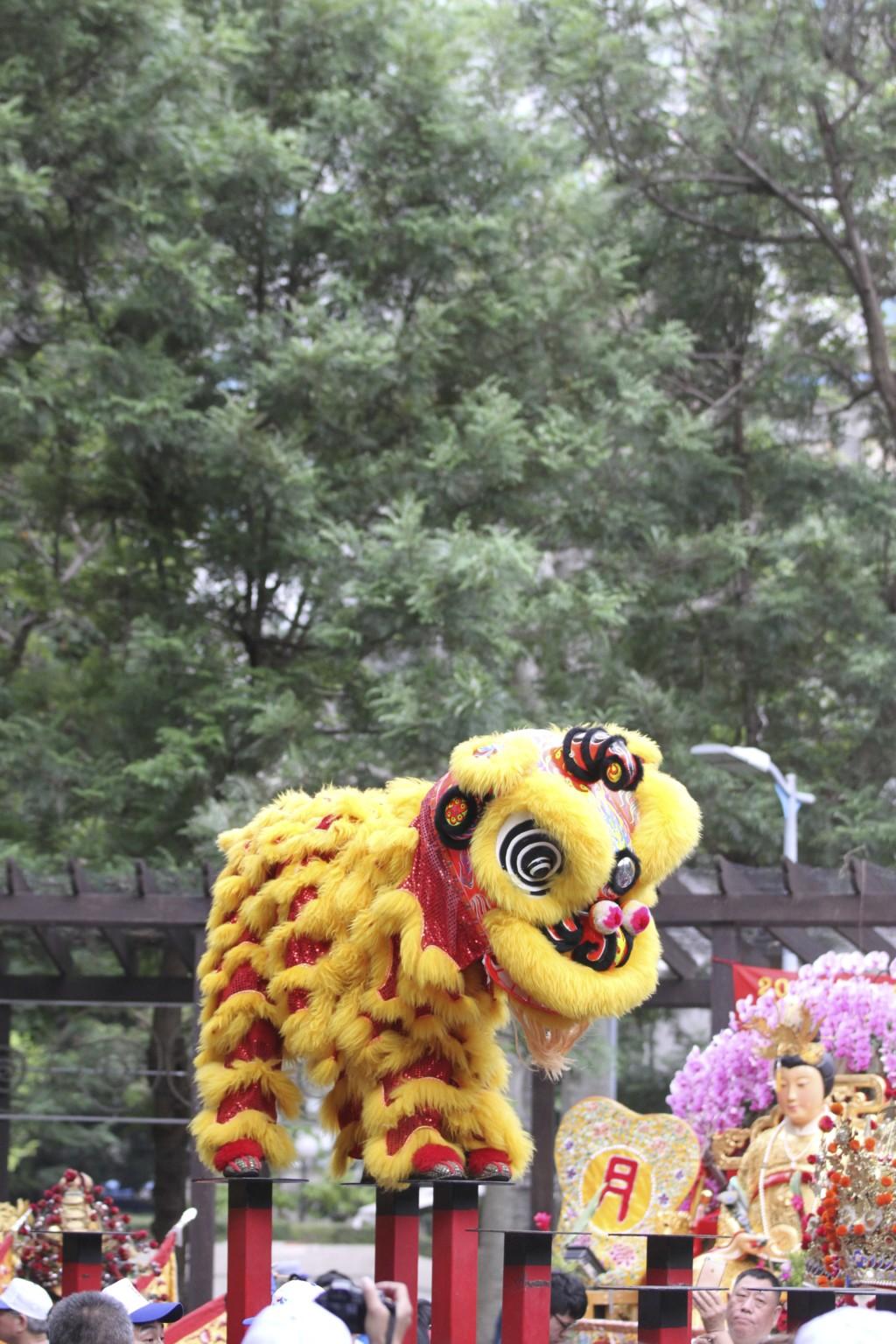 獅子舞ダンス