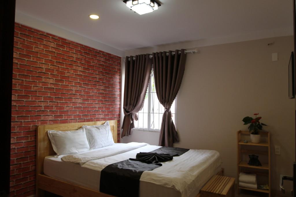 一泊五千円は高い気もしたが、室内は快適