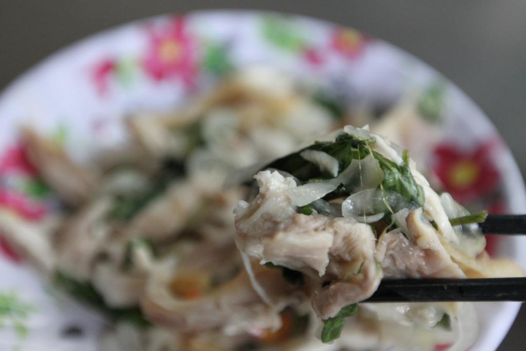 肉のプリプリした食感。野菜は、ひんやり、よく味がしみ込んでいる