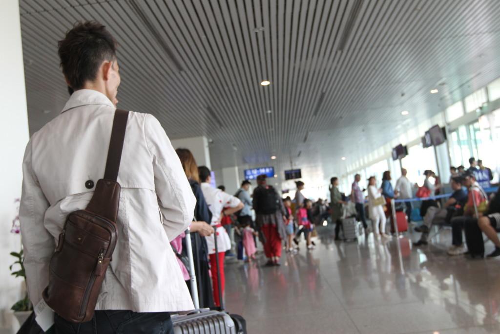 タンソンニャット空港(ホーチミン)から、桃園空港(台北)のフライトへ搭乗