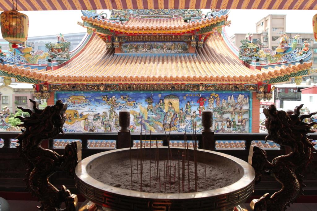 台湾旅行必須のアクティビティ、廟めぐり(松山慈祐宮)