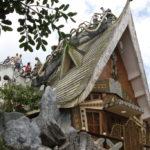 屋根の上に階段でのぼることも可能