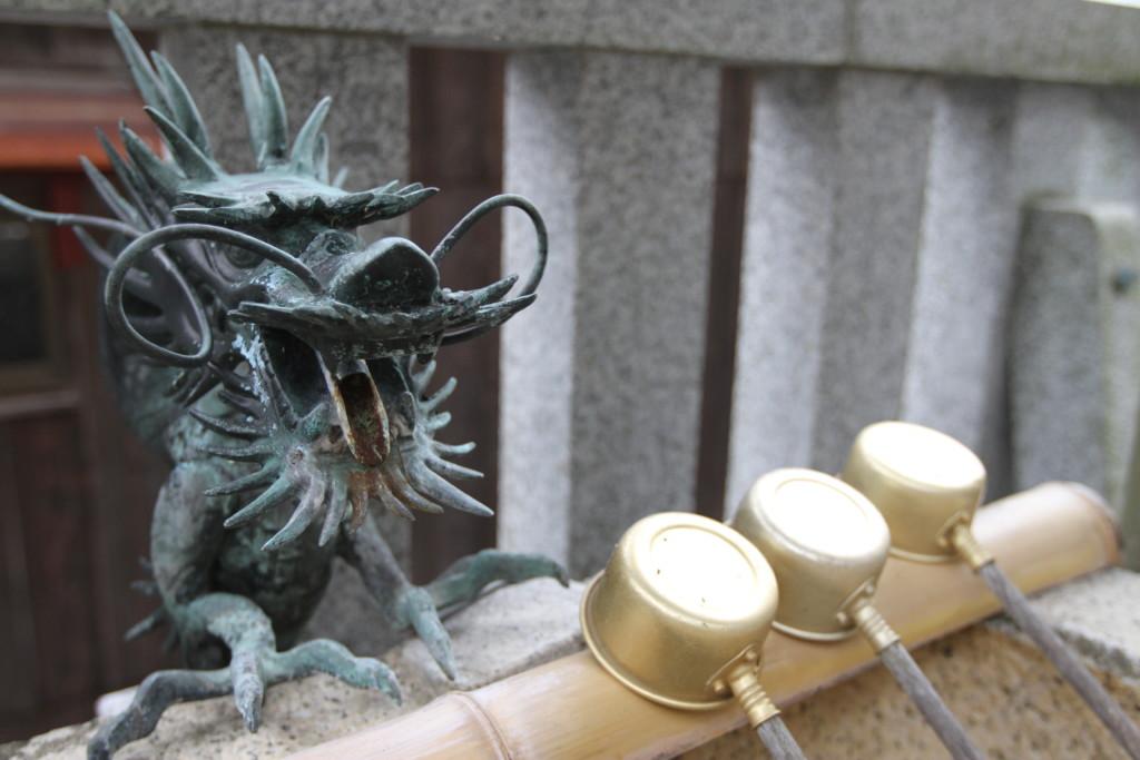 「奥津嶋神社」境内