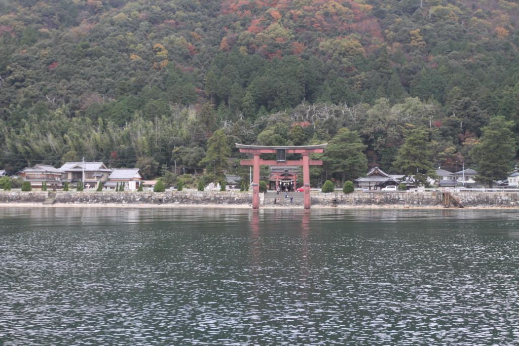 「白鬚神社」