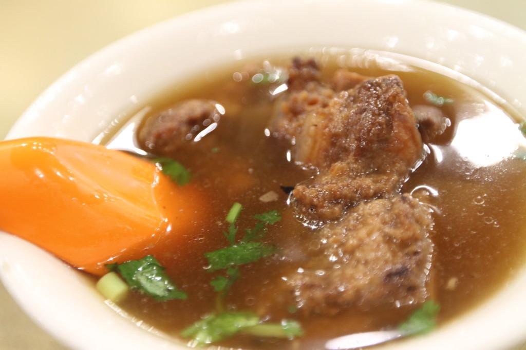 「スペアリブのスープ(排骨酥湯)」