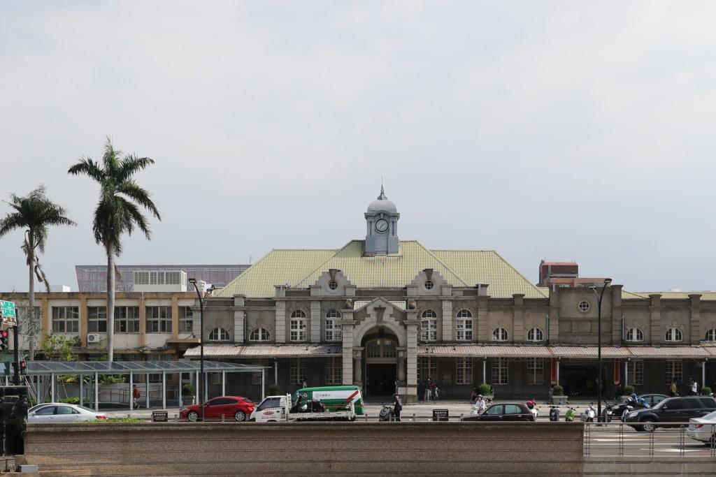 「新竹駅」
