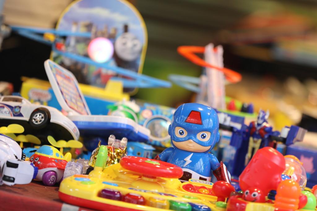 「おもちゃ屋」1
