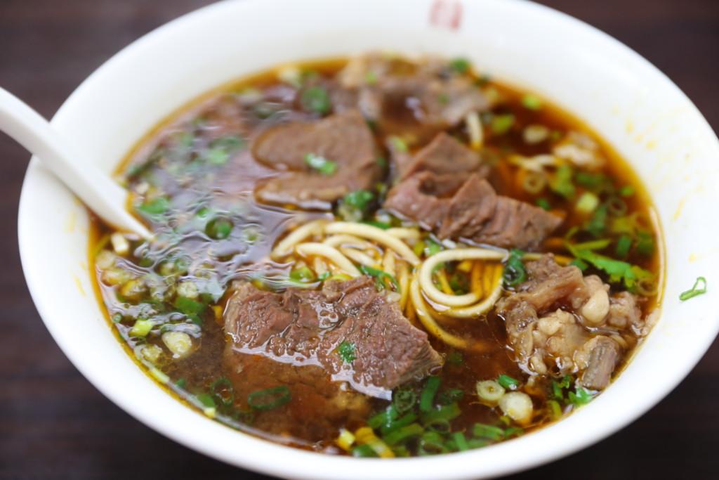 紅焼牛肉麺(210元)