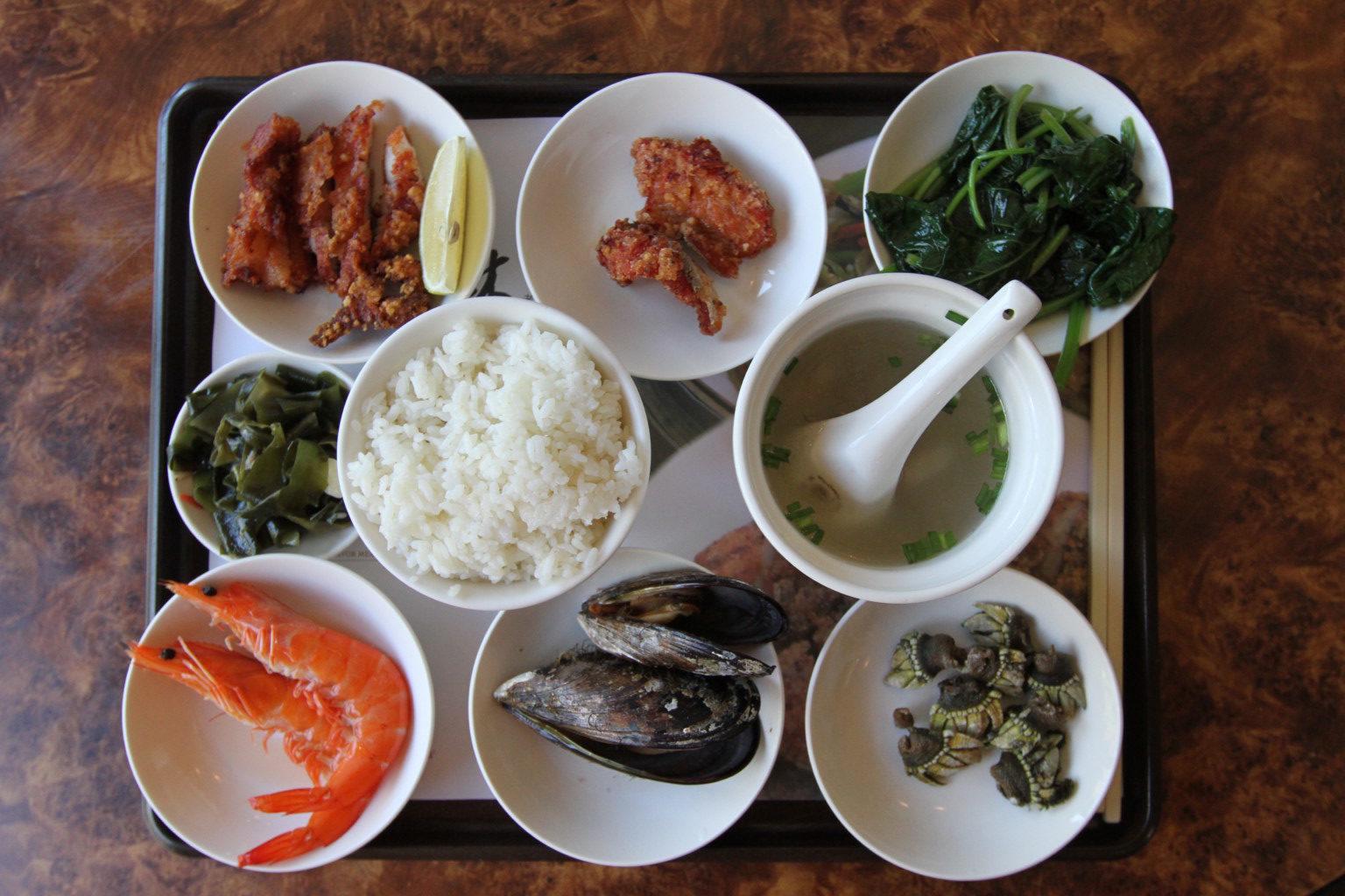 「依嬤的店」の風味套餐(南竿島)