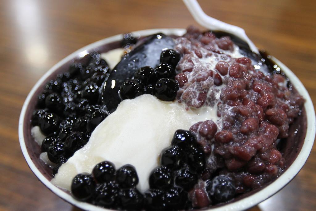 「歓歓氷店」の綜合牛奶冰(南竿島)
