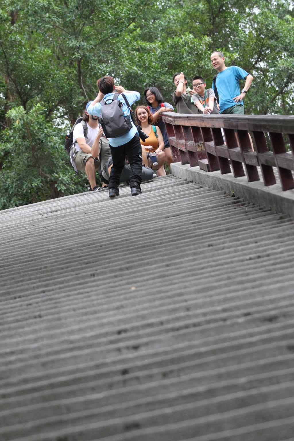 台湾人家族と外国人の記念撮影