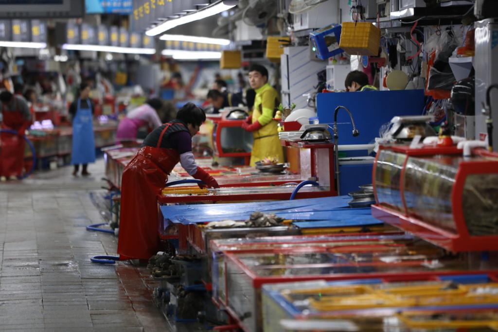 チャガルチ市場の構内