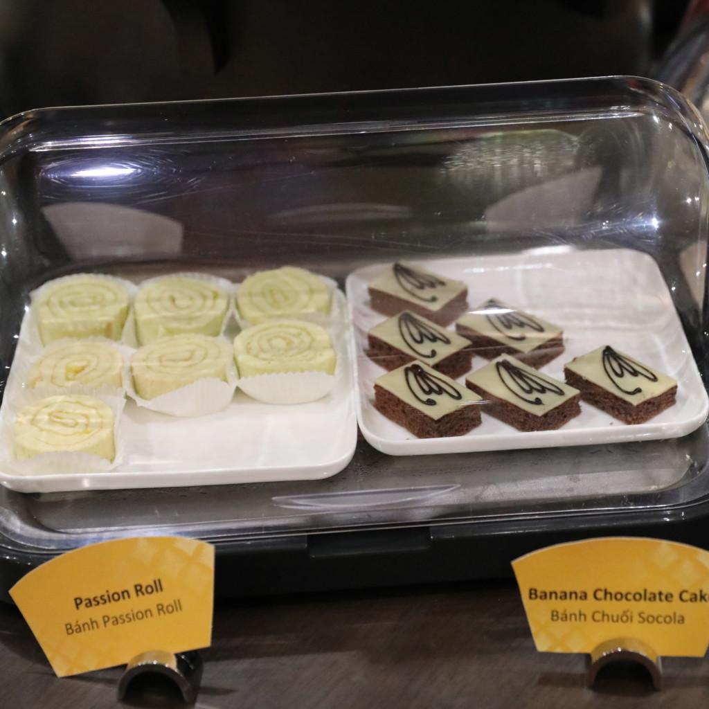 ロールケーキ、バナナチョコケーキ