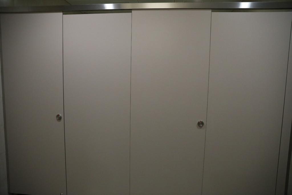 シャワー室は2つ
