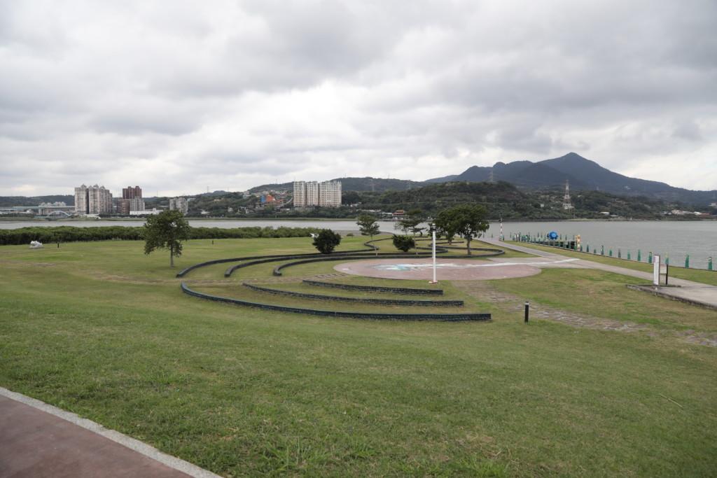 社子島の周りには、サイクリングロードが完備されている