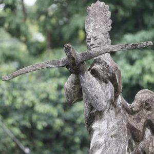 武器職人Cao Loの像