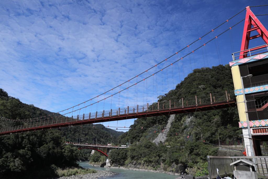 「烏来観光大橋」
