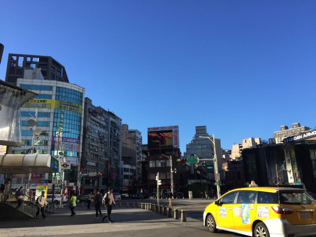 雲一つない西門街