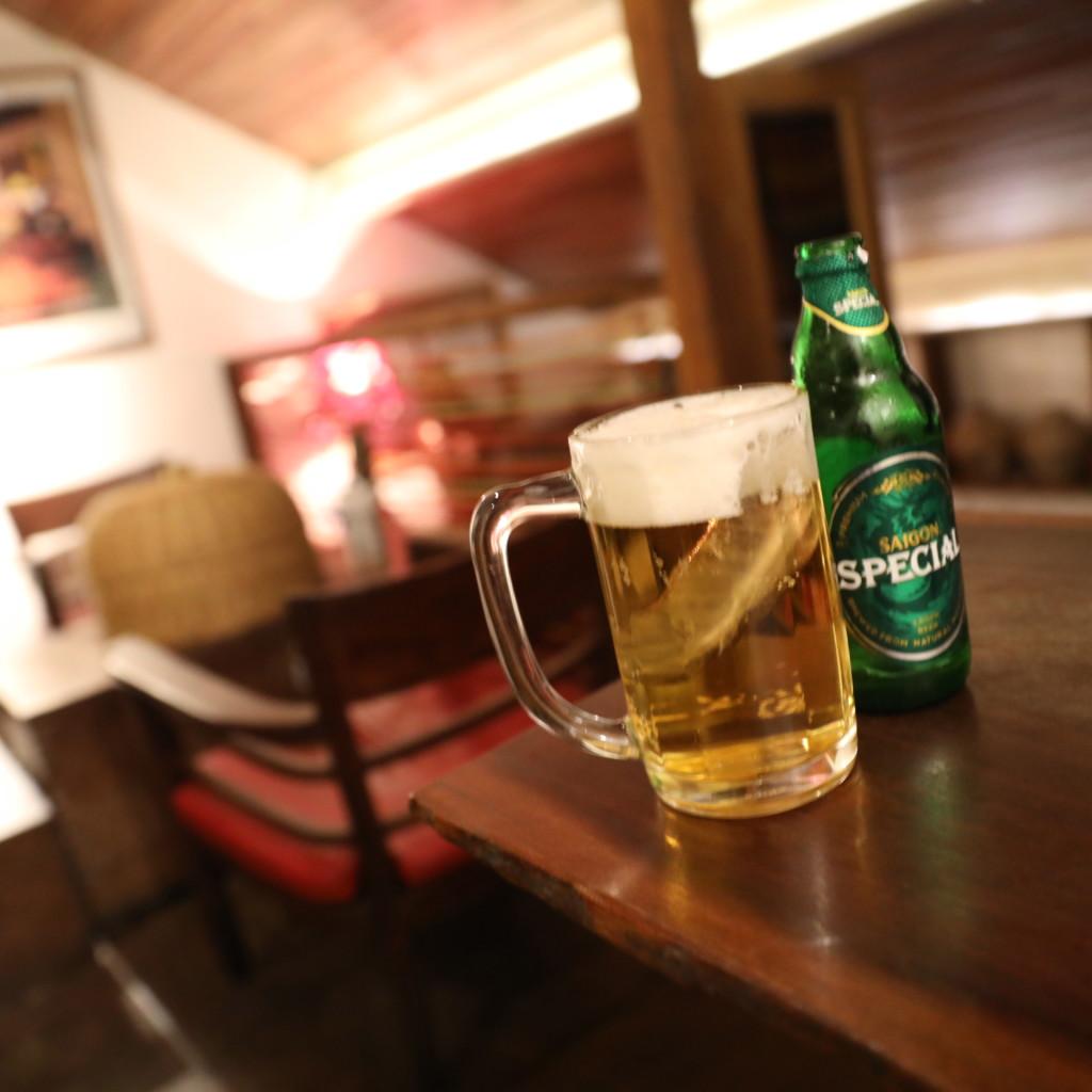 同じ値段のベトナム産ビールでも、場所が違うと、ますます美味しく感じる