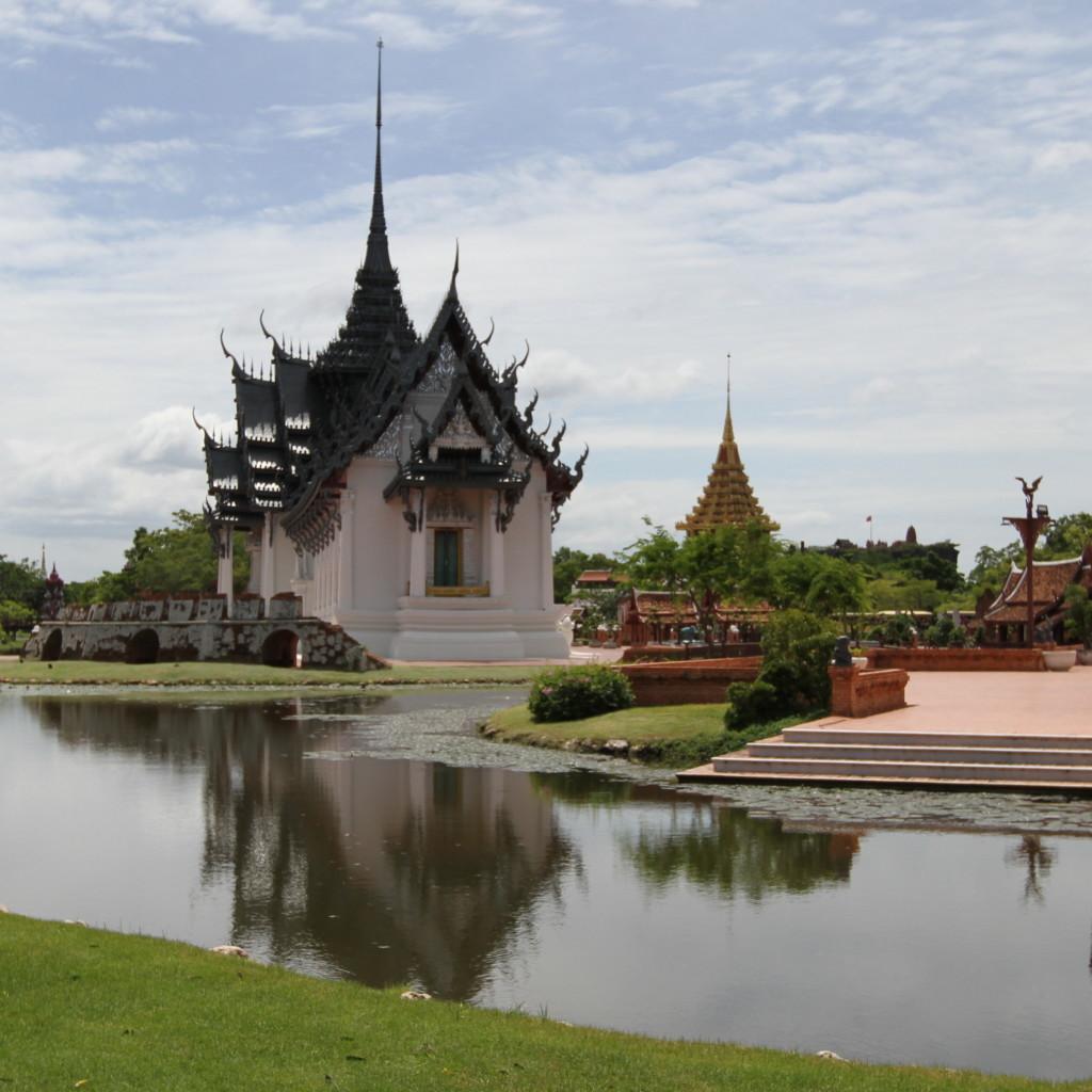 トンガりは、タイ寺院の特徴