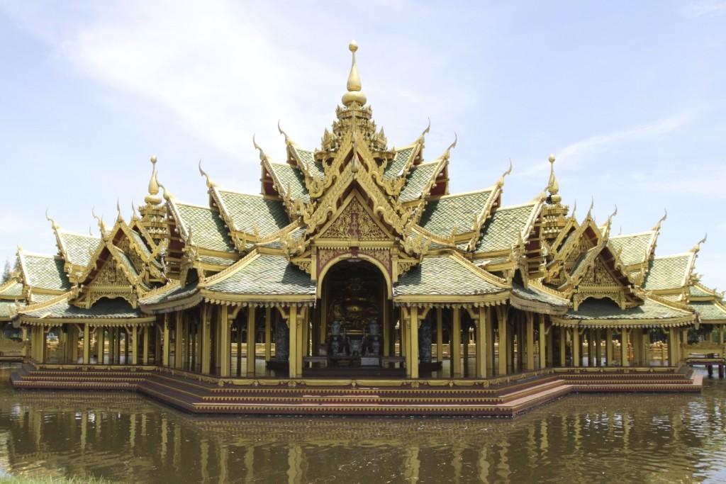 ゴージャスな寺院